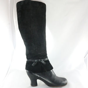 Like New NAYA Juniper Suede Leather Zip Up Boots